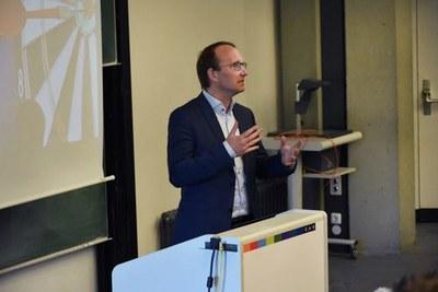 Prof. Dr. Jost Heckemeyer vom Institut für Betriebswirtschaftslehre der CAU organisierte die Veranstaltung gemeinsam mit der Gesellschaft für Betriebswirtschaftslehre zu Kiel e.V.
